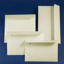 Луксозен плик Рустикус. Италианска матова релефна хартия, бледо пастелно жълто. Цена 0.80 лв.