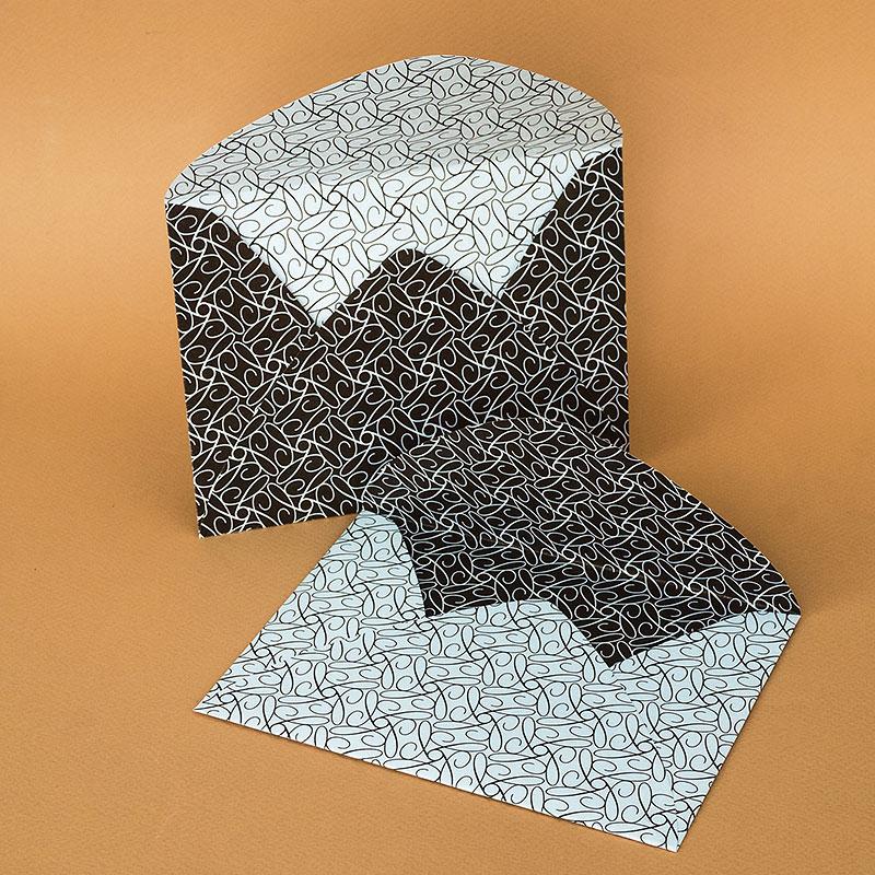 Арт пликове с двустранен печат върху целия плик. Обла разгъвка с печат по цялата повърхност, релефна хартия, 120 г.