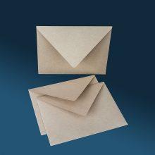 Винтидж / рустик плик с триъгълен капак. Крафт хартия с частици, 120 грама.