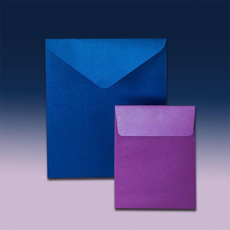 Вертикални пликове с прав и триъгълен капак. Тъмно синя и розова перлена хартия, 120 г.
